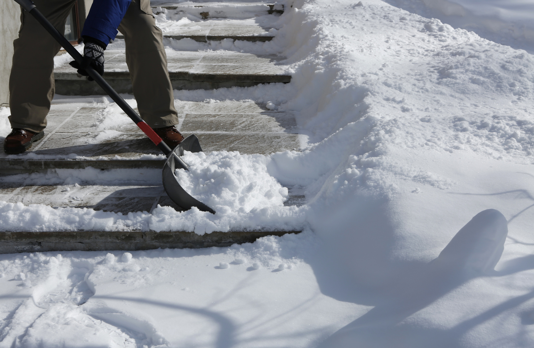 Avoiding Injury While Shoveling Snow